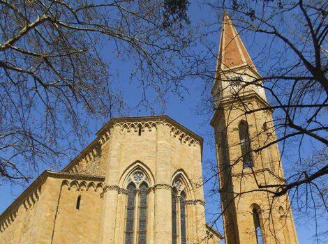 Arezzo classic tour: Cattedrale. Austera all'esterno, ricca di opere d'arte all'interno. Da non perdere le vetrate del Marcillat e la Maddalena di Piero della Francesca.
