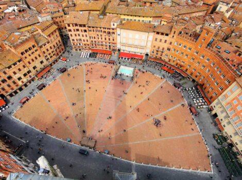 Tour guidati di Siena e dintorni: Piazza del Campo, cuore pulsante della città.